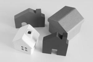 相続税対策として土地建物の不動産は売却?